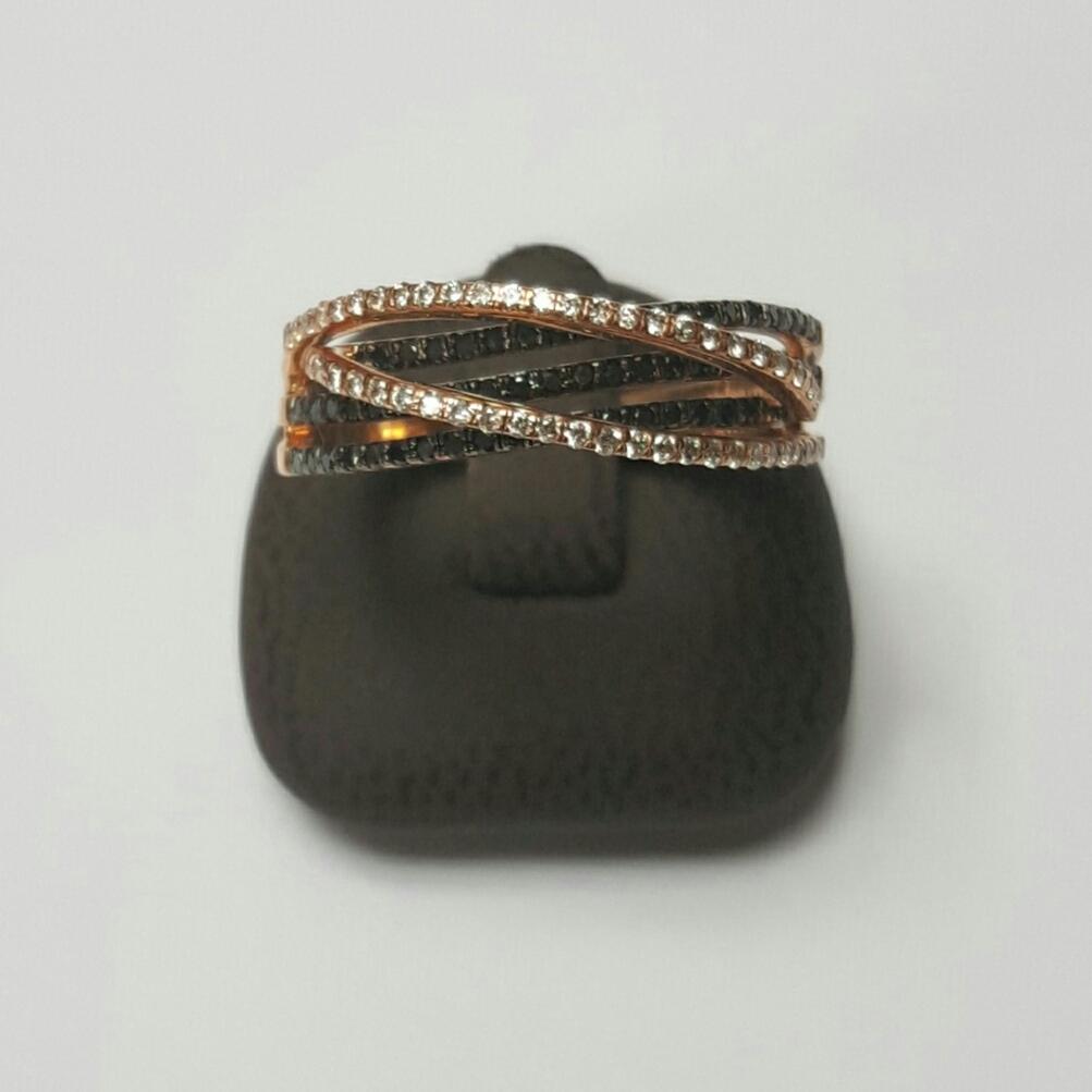 14 krt rosé gouden ring met zwart en witte briljanten - Goudcentrum.nl
