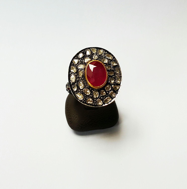 Zilveren cocktail ring bezet met robijn en diamanten - Goudcentrum.nl
