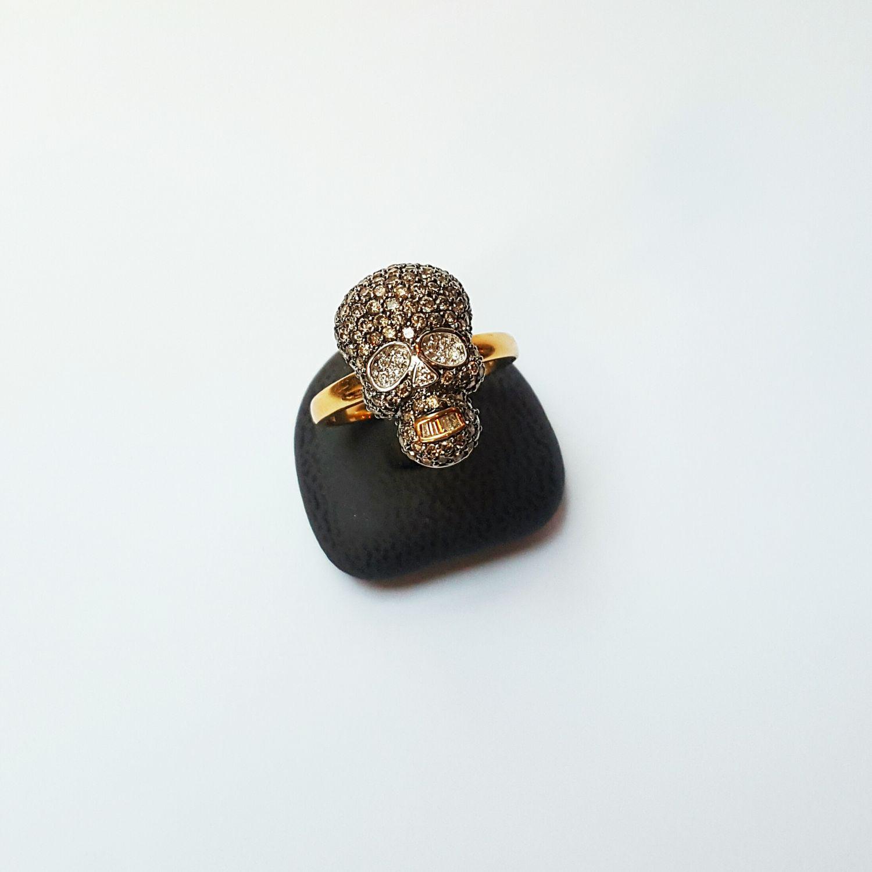 Geelgouden skull ring bezet met briljanten  - Goudcentrum.nl