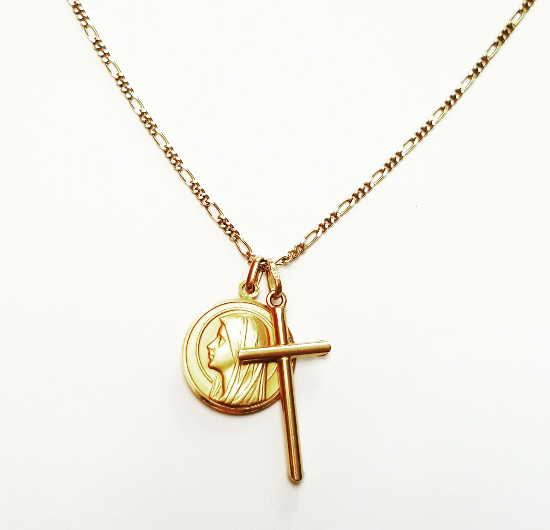 14 karaat gouden ketting met gelovige hangers - Goudcentrum.nl